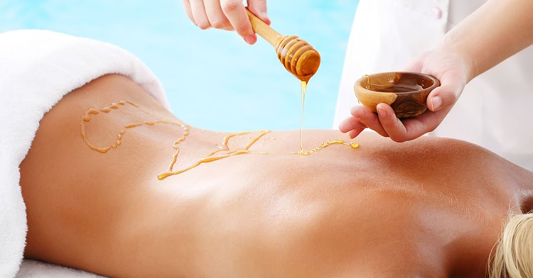 romantična masaža medom